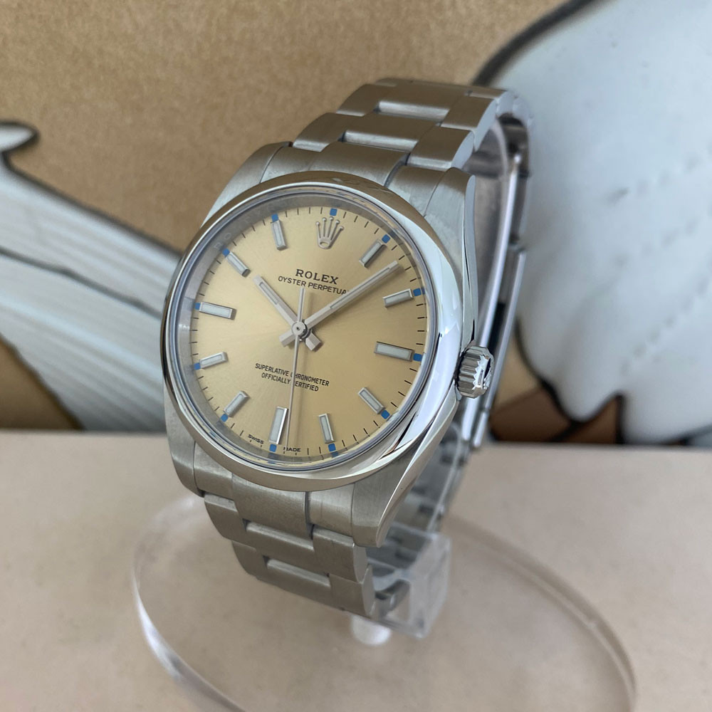 Rolex Oyster Perpetual 34mm 114200 1