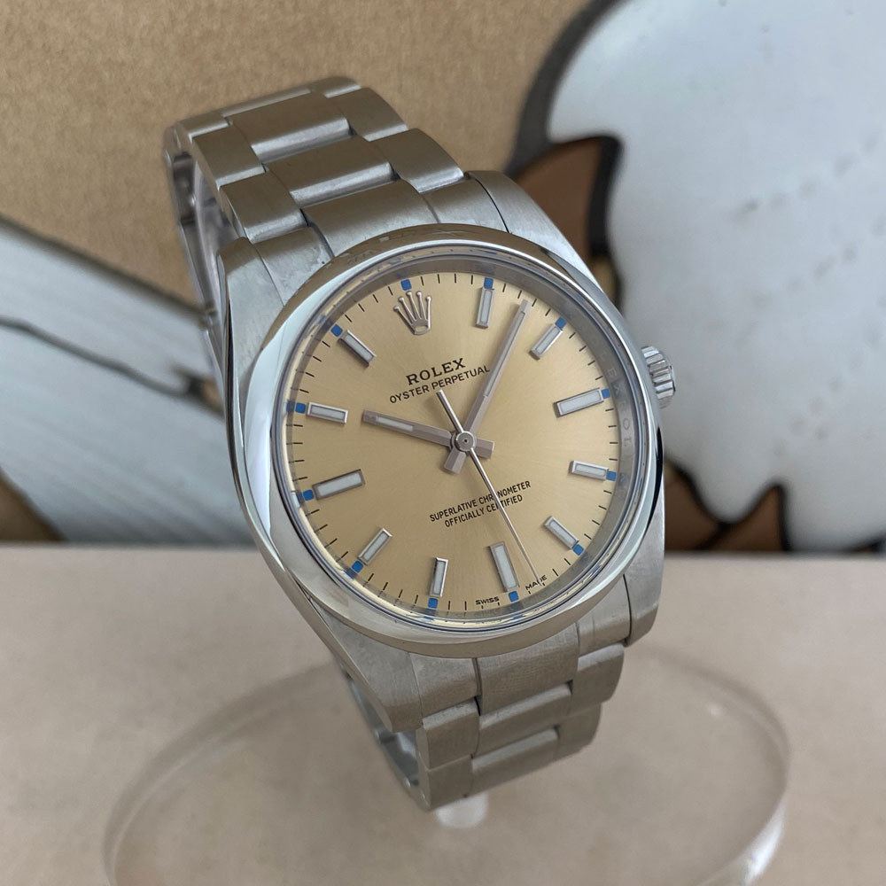 Rolex Oyster Perpetual 34mm 114200 2